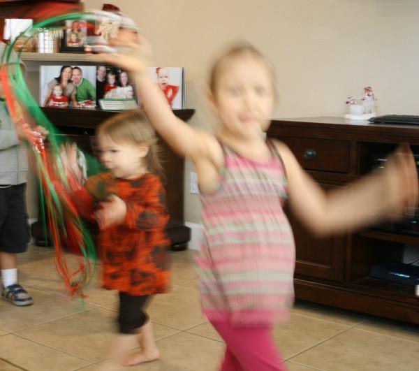Jingle Bell Streamers