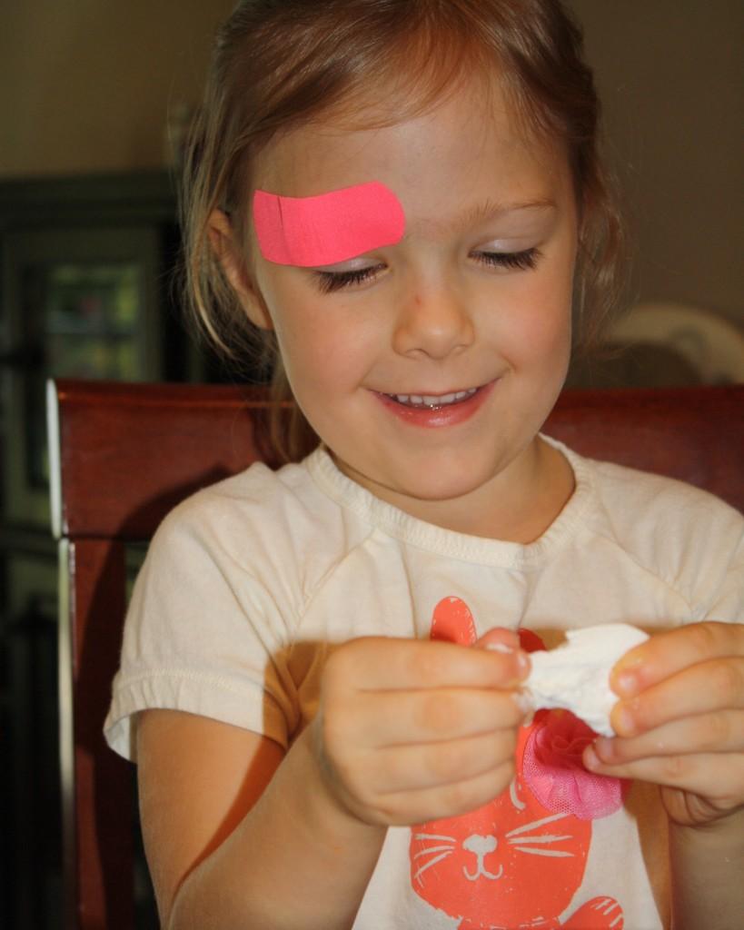 Exploring marshmallows with five senses.