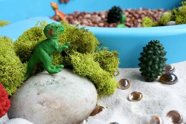 Dinosaur Sensory Bin {Poppins Book Nook}