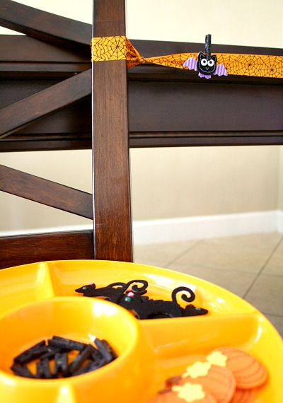 Halloween Clothesline Invitation to Play