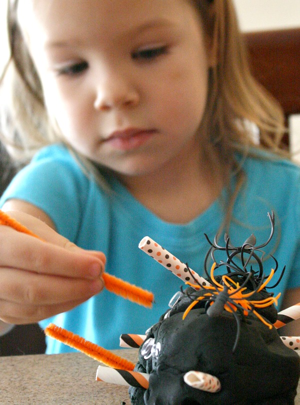 Toddler Halloween Activity~Play Dough