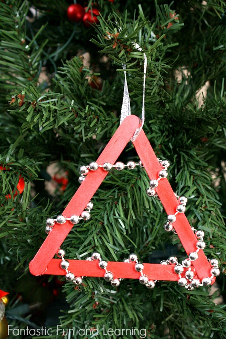 Easy Beaded Christmas Tree Ornament Craft...low mess and great for toddlers, preschoolers and group events