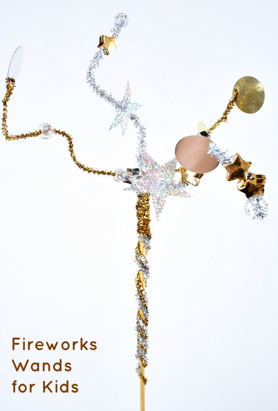 Fireworks Wands...easy holiday craft for kids. Perfect for New Year's Day, 4th of July and other patriotic holidays