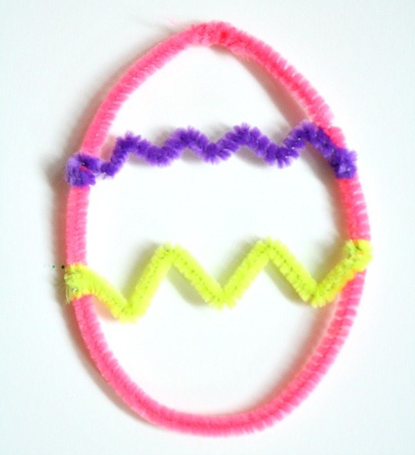 Pipe Cleaner Easter Egg