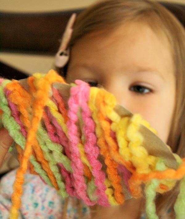 Toddler Easter Craft-Yarn Egg