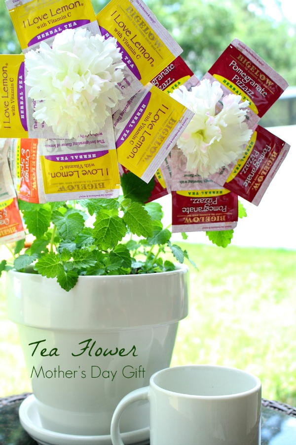 Bigelow Tea Flower Mother's Day Gift #shop #AmericasTea #CollectiveBias