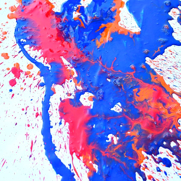 Art for Kids-Painting with water sprayers