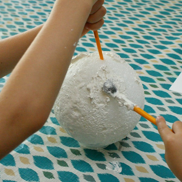 Painting the moon craft