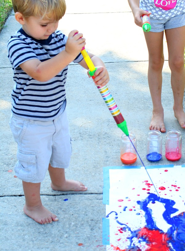Toddler Painting Activity~Water Sprayer Painting