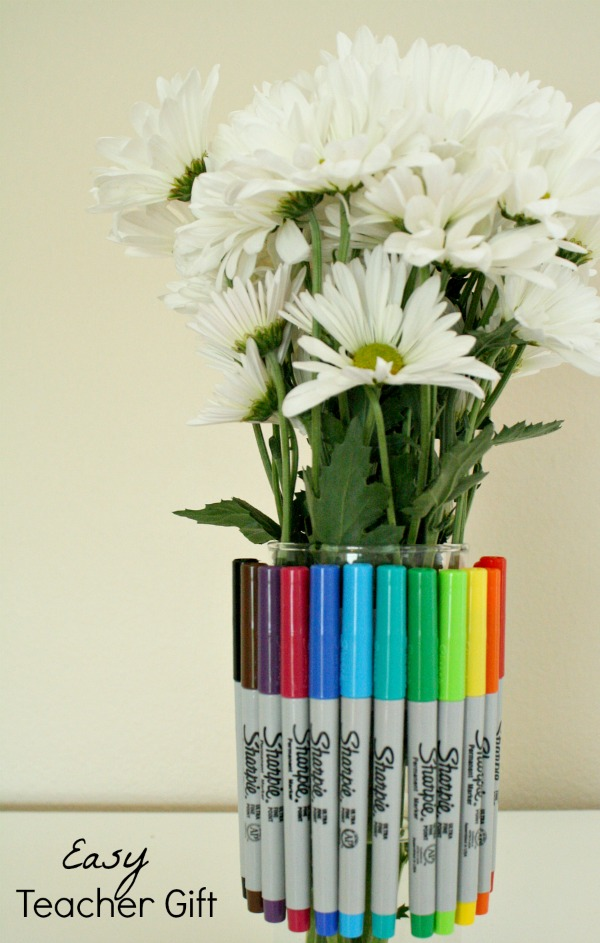 Easy Back to School Gift Teachers Will Love~Sharpie Vase #StaplesBTS #PMedia #ad