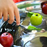 Fall Activity for Preschoolers~Bobbing for Apples