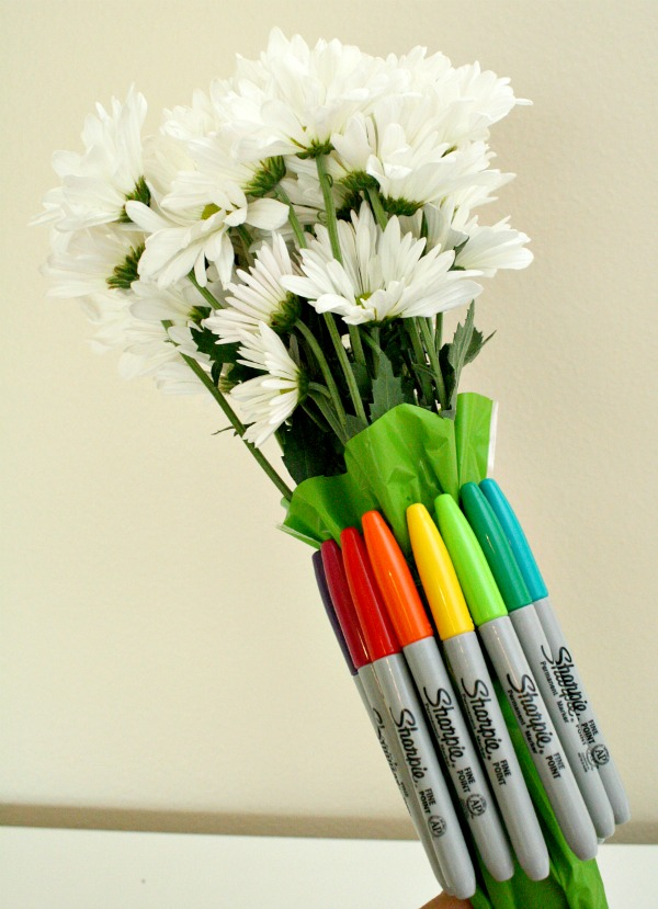 Sharpie Bouquet~SUPER easy back to school gift teachers will love!