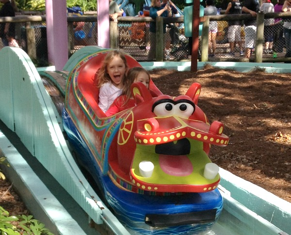Christmas town busch gardens tampa fantastic fun learning for Busch gardens tampa water rides