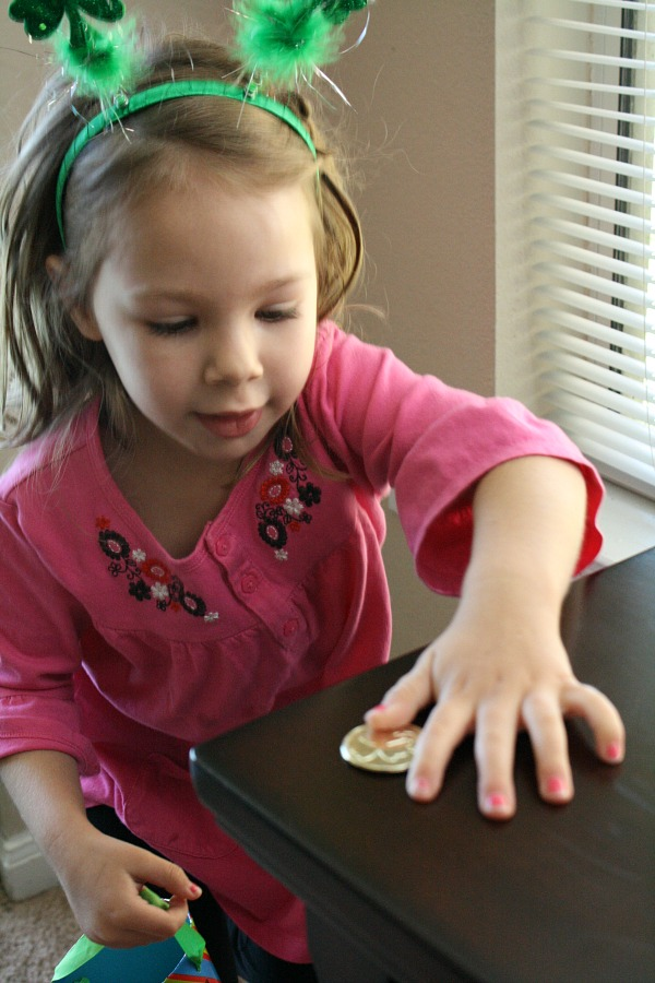 Hunting for Gold Preschool Activity