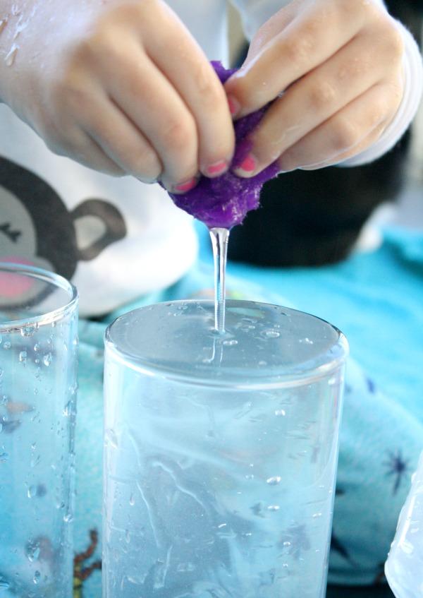 Pom Pom Squeeze Water Play
