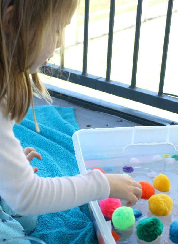 Pom Pom Water Play