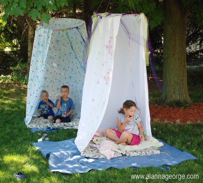 DIY sheet tent fort tutorial