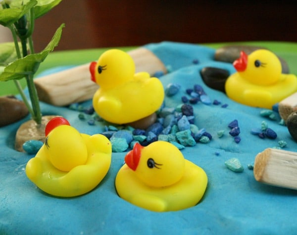 Spring Play Dough Idea-Duck Pond