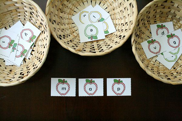 Making words with free printable apple letter cards