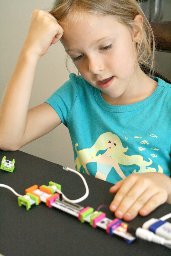 problem-solving with littleBits educational toy