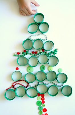 Invitation to Play~Loose Parts Christmas Activity