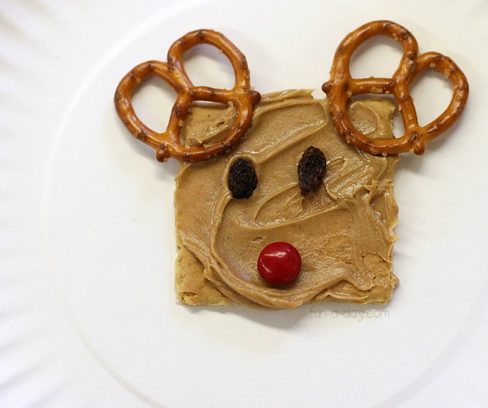 delicious-Christmas-snacks-for-kids-reindeer-snack