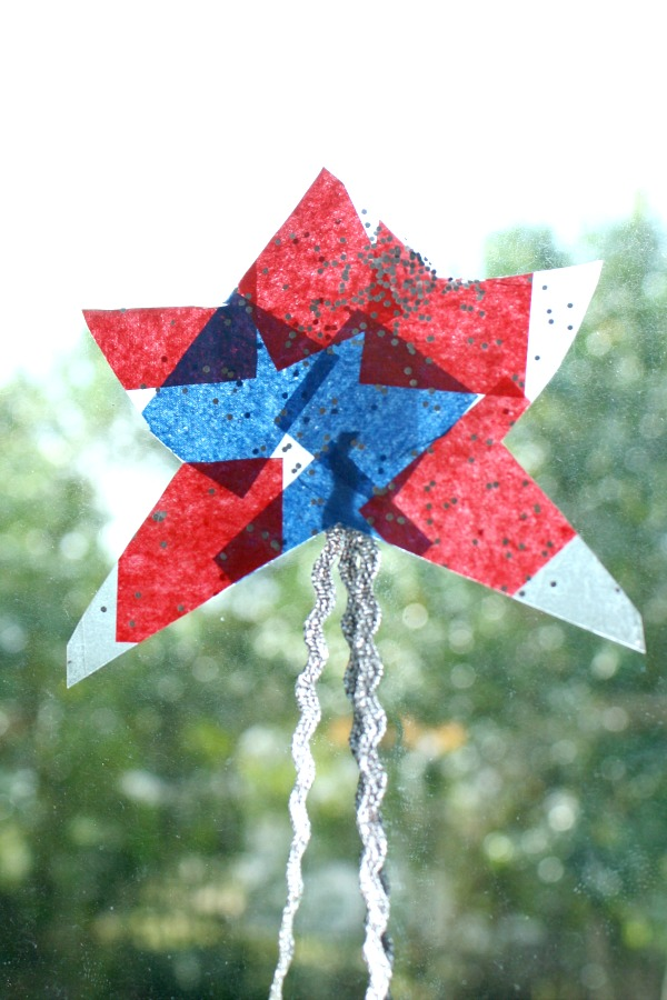 Easy Toddler Craft for 4th of July