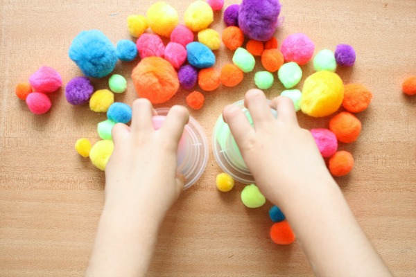 Preschool Counting with Pom Poms