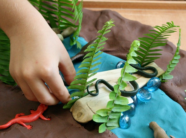 Making a river habitat preschool play