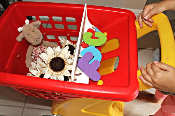 Shopping for beginning sounds preschool activity