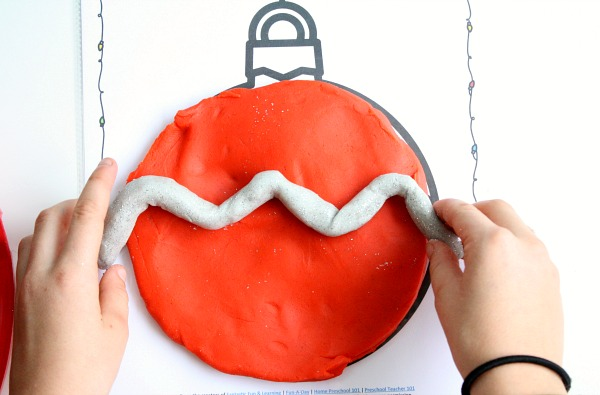 christmas-ornament-play-dough-mats