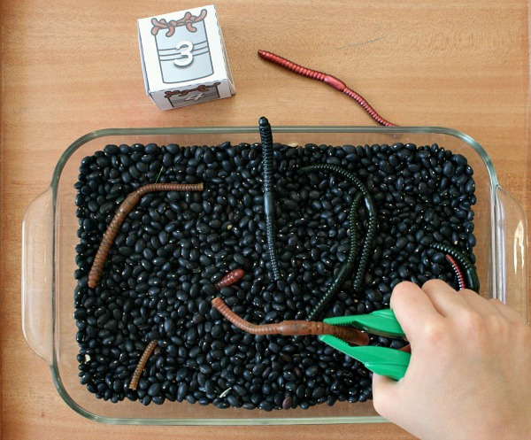 counting worms preschool math activity