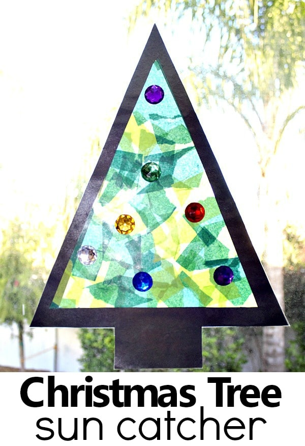 Christmas Craft for Kids-Easy christmas tree sun catcher.