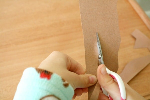 Cutting tree branch for owl craft