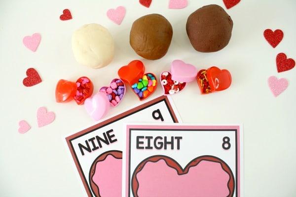 horiz-Valentine Counting Mats