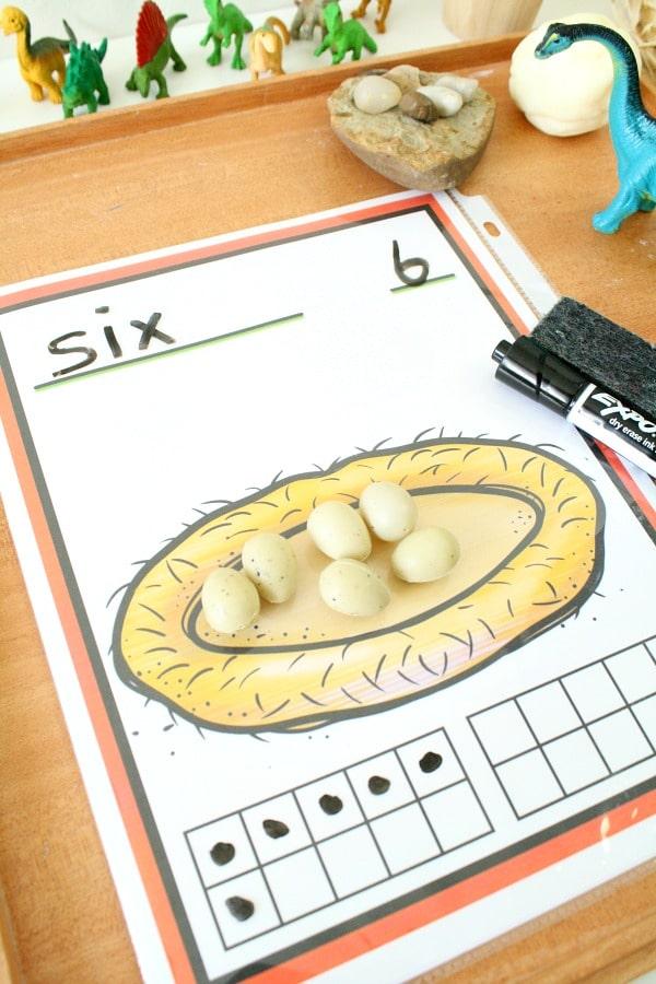 Free printable dinosaur counting mats