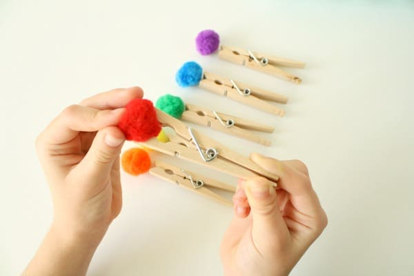 Making DIY Pom Pom Paint Brushes