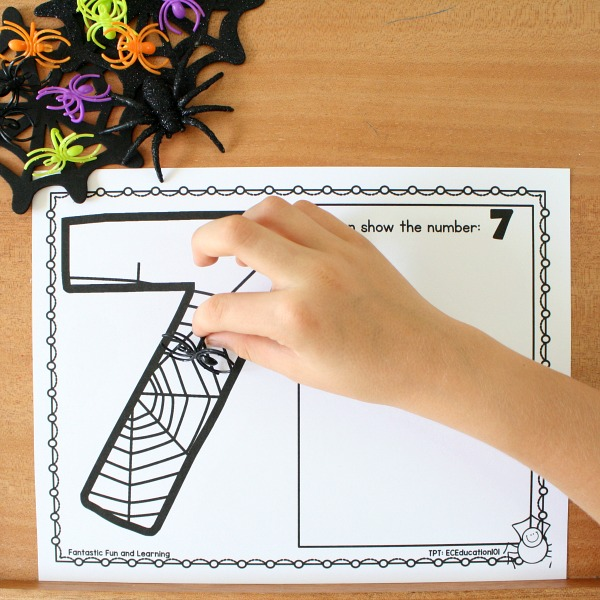 Halloween Spider Mat Counting Games