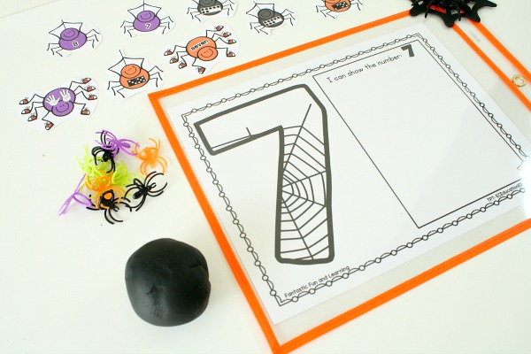 Play Dough Counting Mats for Halloween-Free printable