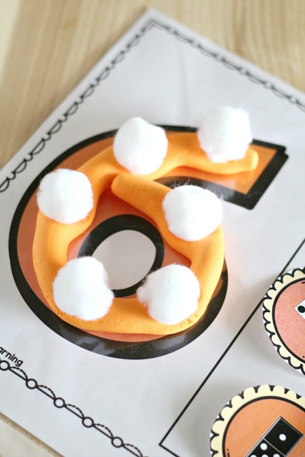 Thanksgiving Counting Activity-Pumpkin Pie Number Mats