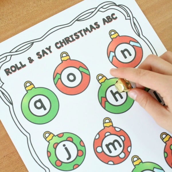 Free Printable Roll and Say Christmas ABC Game-Winter alphabet activity for preschool holiday, winter, or Christmas theme #freeprintable #preschool #alphabet