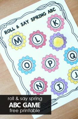 Free printable roll and say Spring ABC game for preschool and kindegarten letter recognition