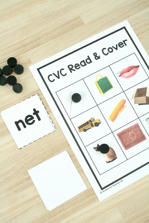Free printable short vowel sounds game